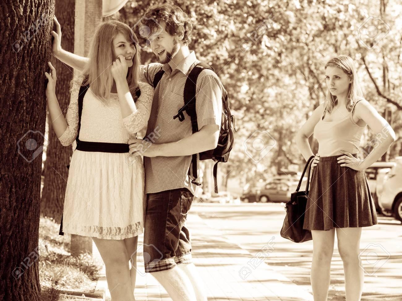 Wie man eine erste Nachricht auf einer Dating-Website versendet