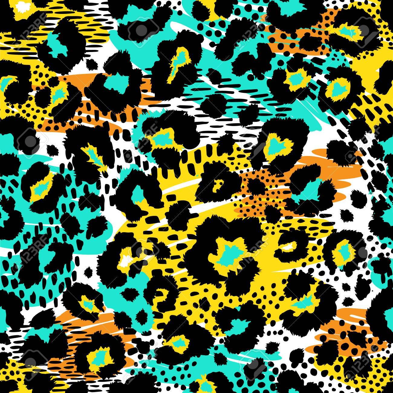 Seamless leopard wild pattern. Vector animal print. - 81303930
