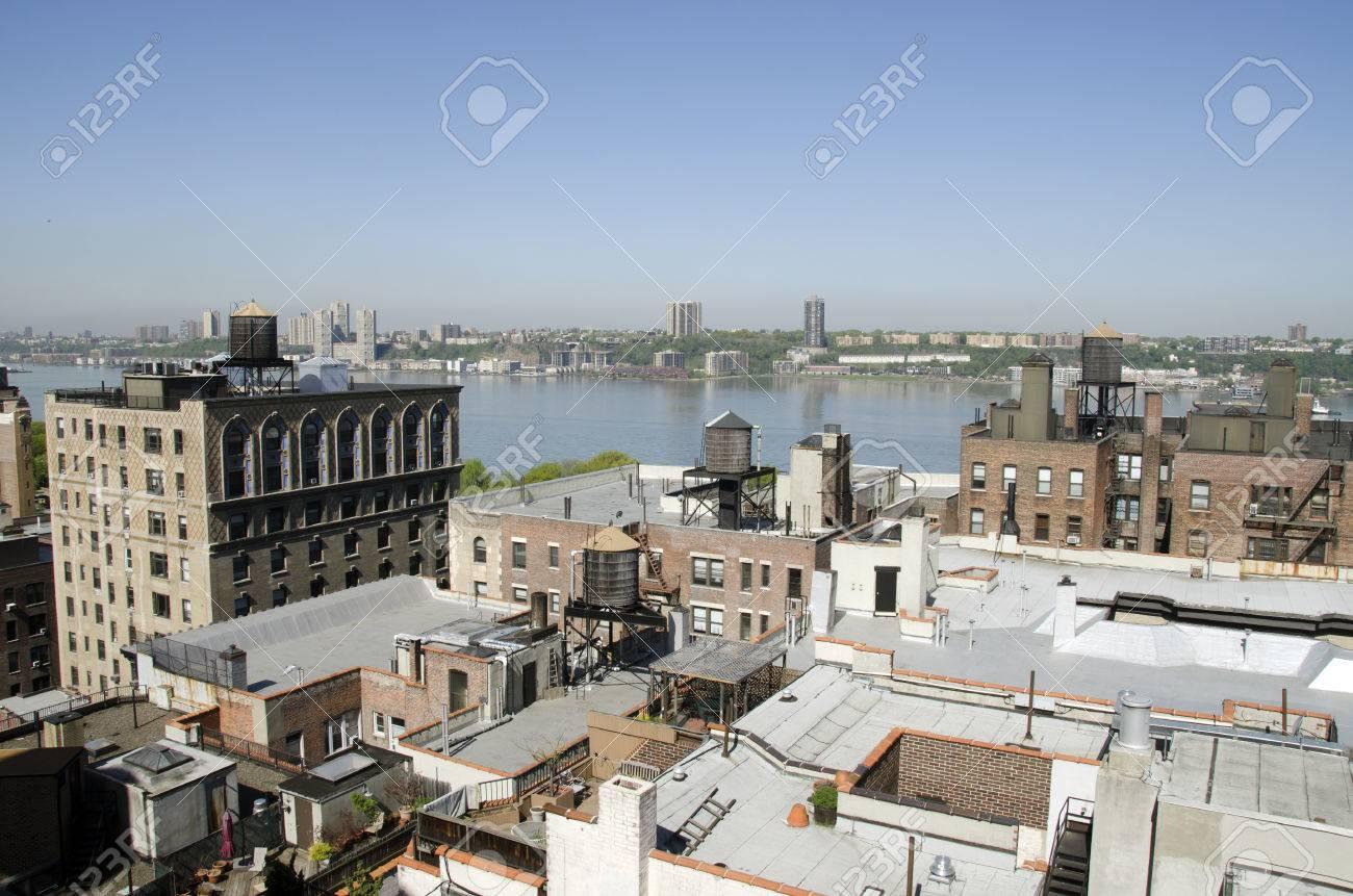 Techos Y Terrazas En La Ciudad De Nueva York A Lo Largo Del Río Hudson