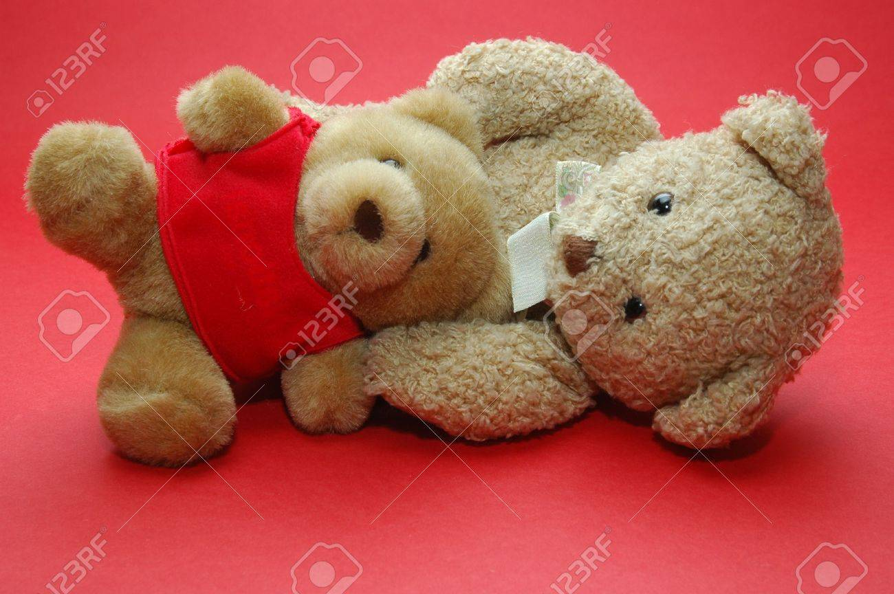 bear photo, good for wallpaper and valentine day Stock Photo - 2410375