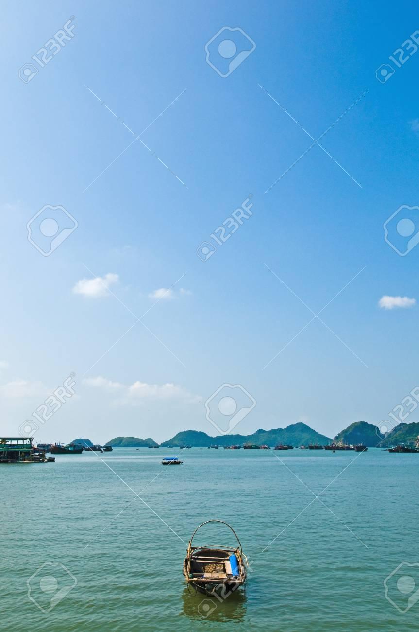 Small boat left alone. Stock Photo - 17235378