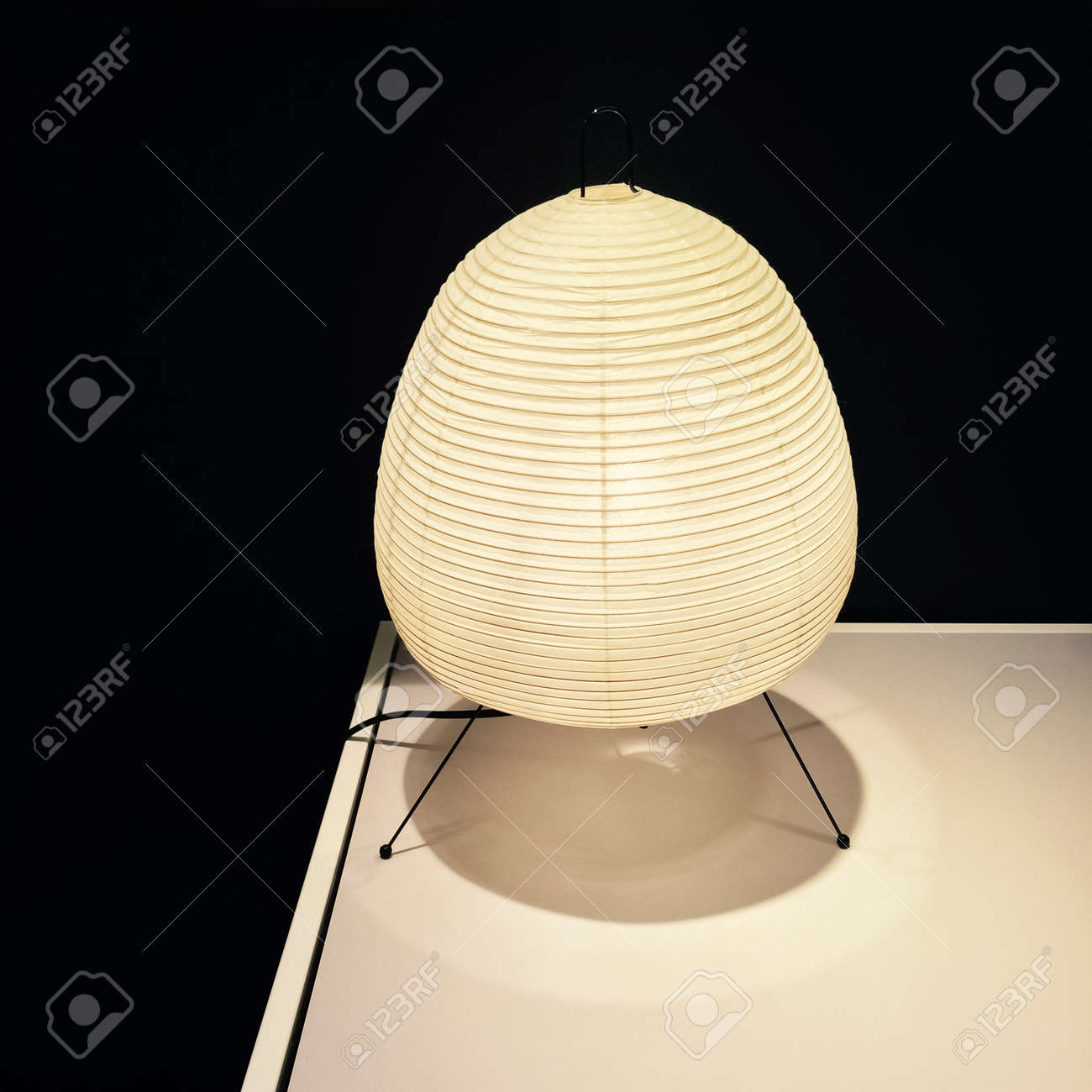 Papier De Riz Décoration lanterne confortable avec lampe de papier de riz ombre. décoration
