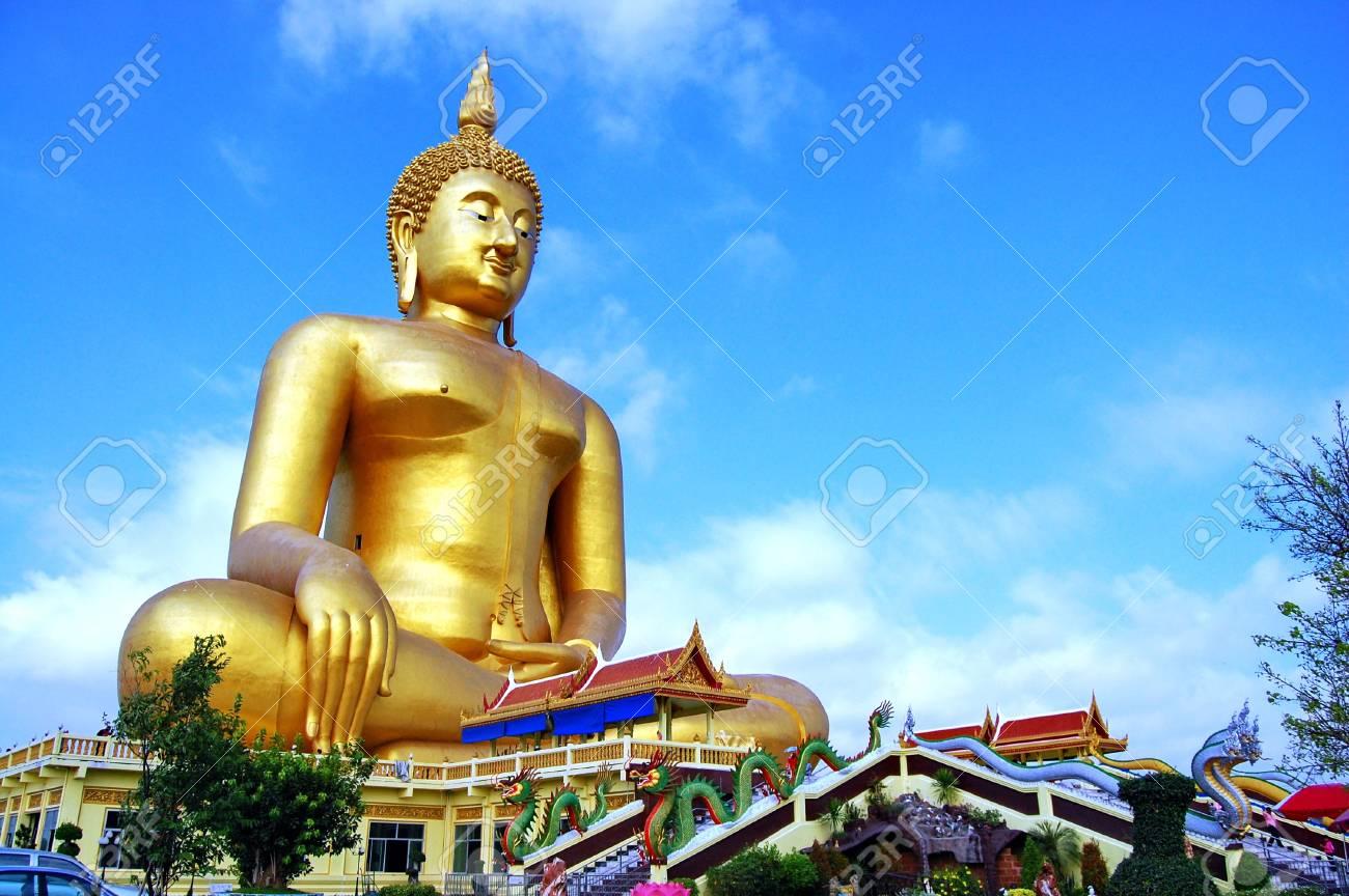 Wat Muang in Angtong Stock Photo - 18515638