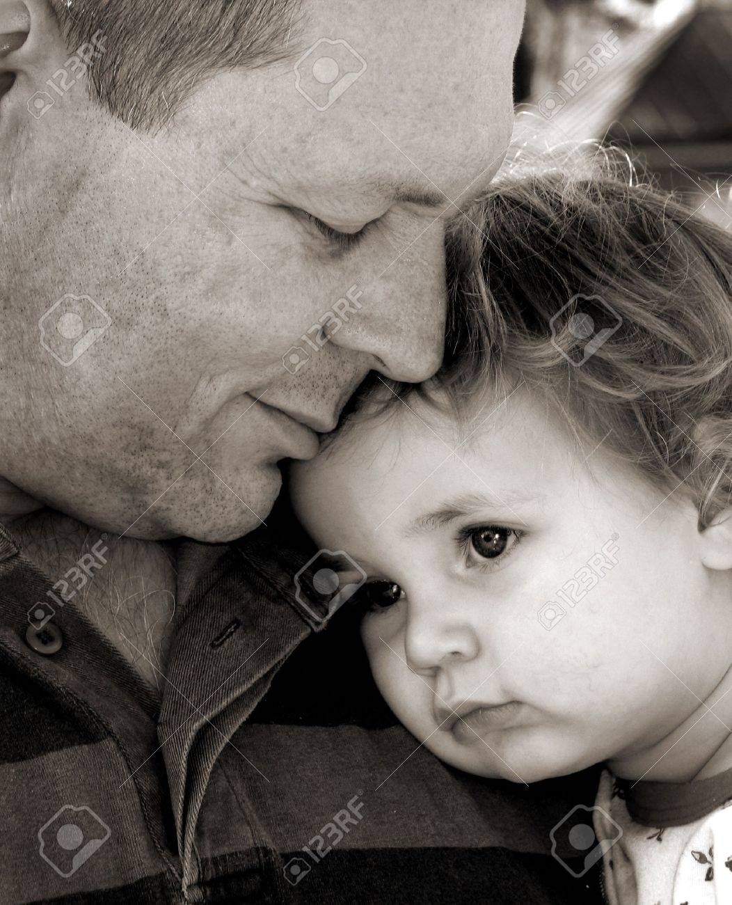 Father and child in black and white Stock Photo - 3625589