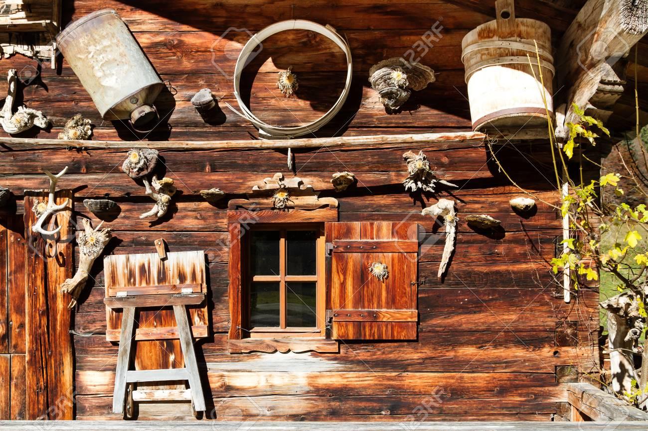 Paisaje Rural Alpino Decoracin Retro Y Detalles De La Arquitectura