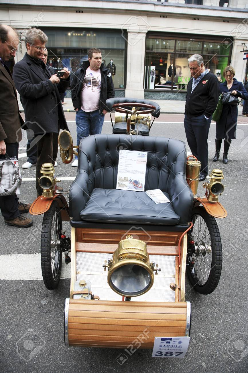 London, UK - November 06, 2010: Display Of Vintage Cars. Some ...