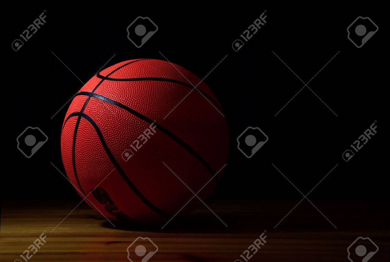 the ball to the basketball - 2788898