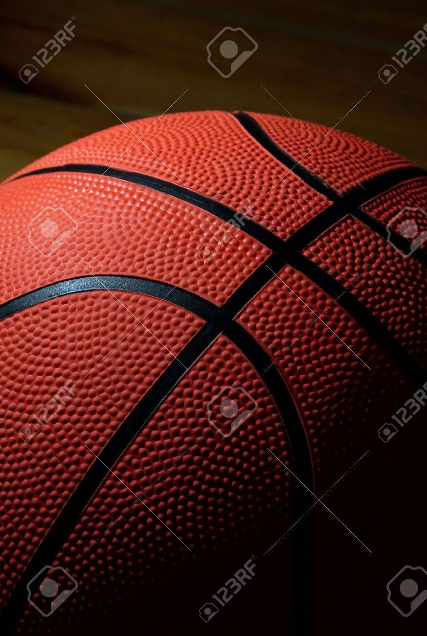 the ball to the basketball Stock Photo - 2788969