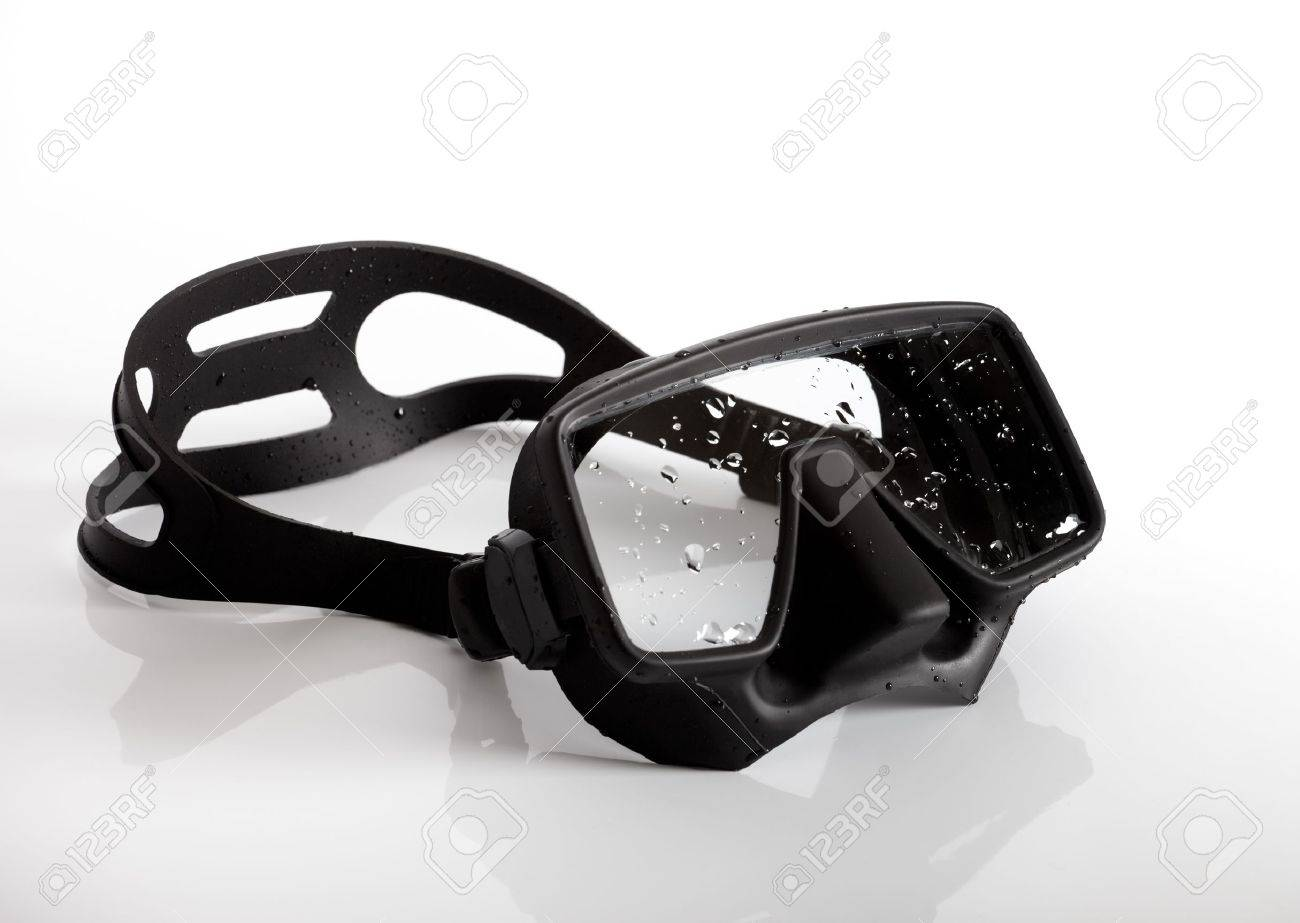 Diving mask on white background Stock Photo - 9642885