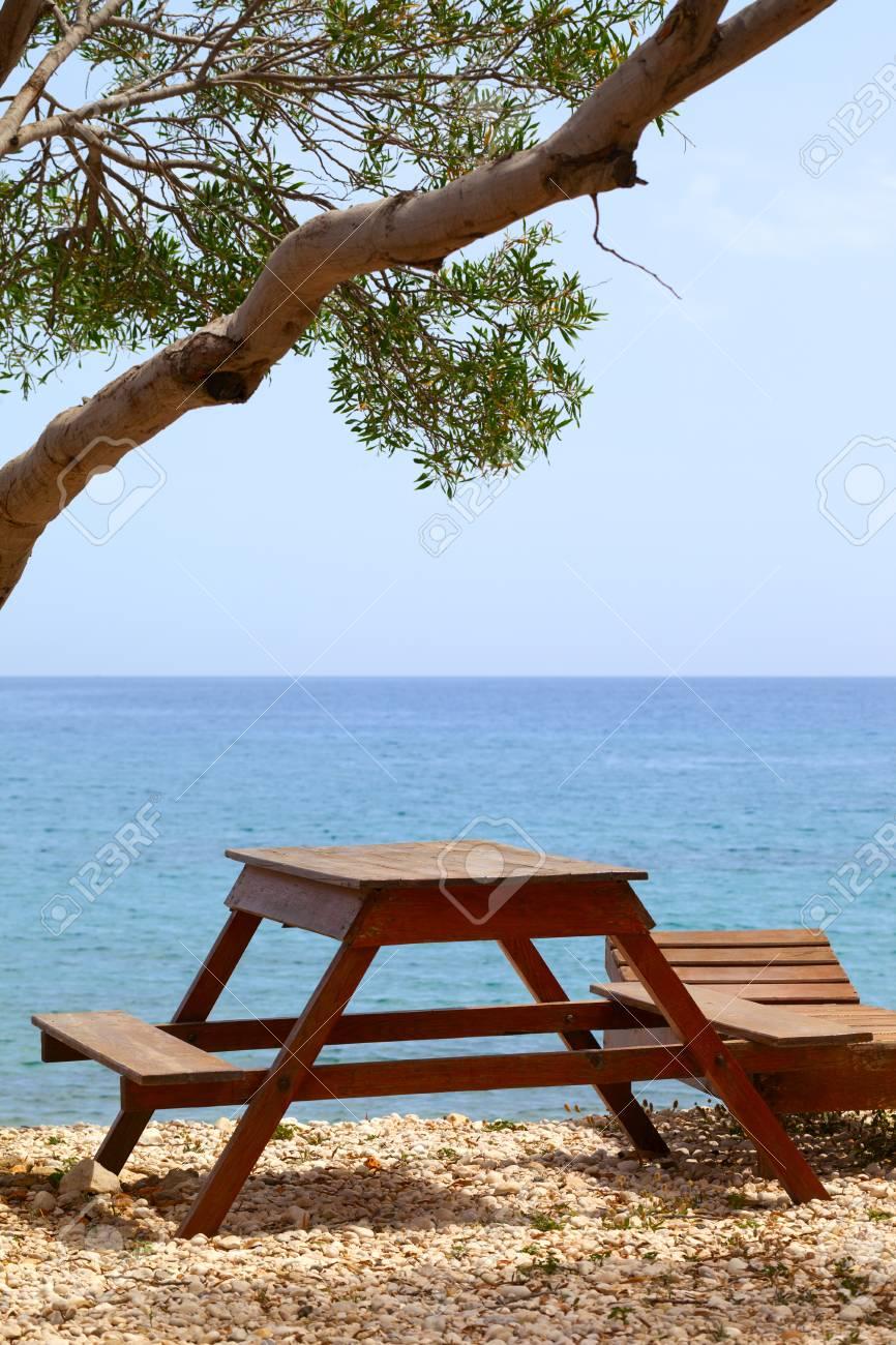 Bois Longue SoleilMer MéditerranéeTurquie Et Table À En D'été Station Journée Chaise Sur La De dxBeoCWr