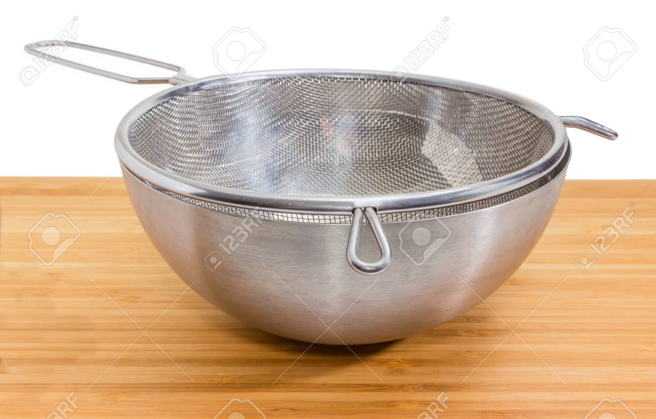 Round Stainless Steel Sieve With Wire Mesh In Stainless Steel ...