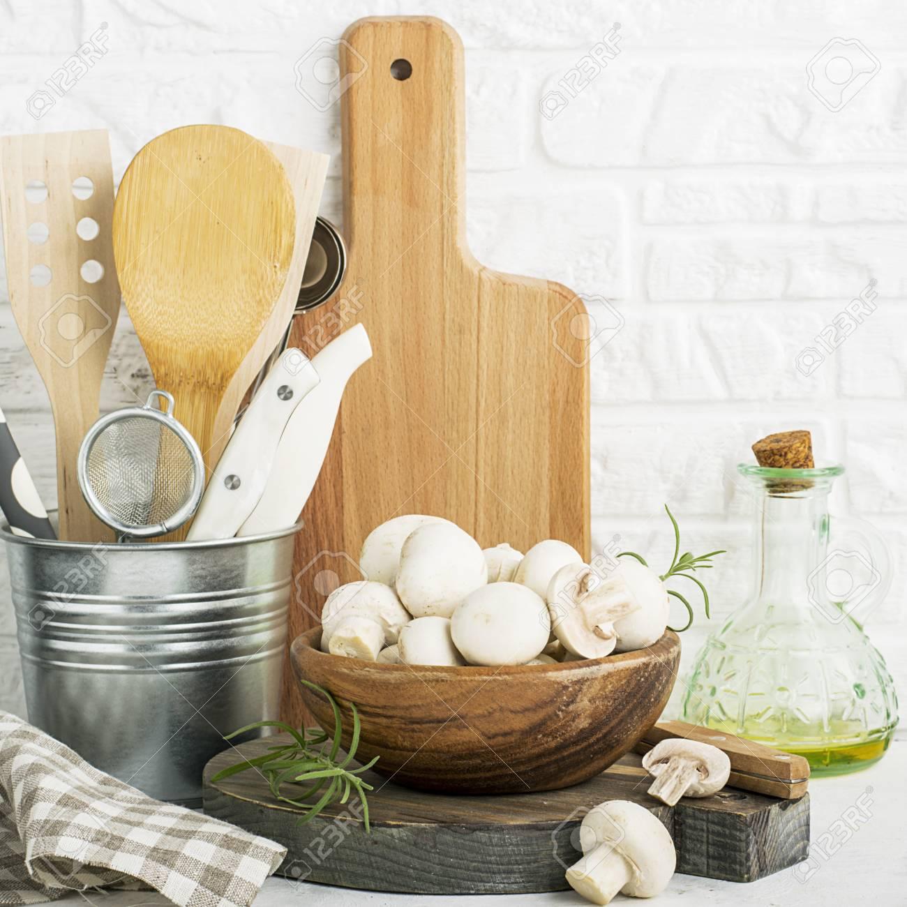 Charmant Außenküchentüren Mit Glas Ideen - Küche Set Ideen ...