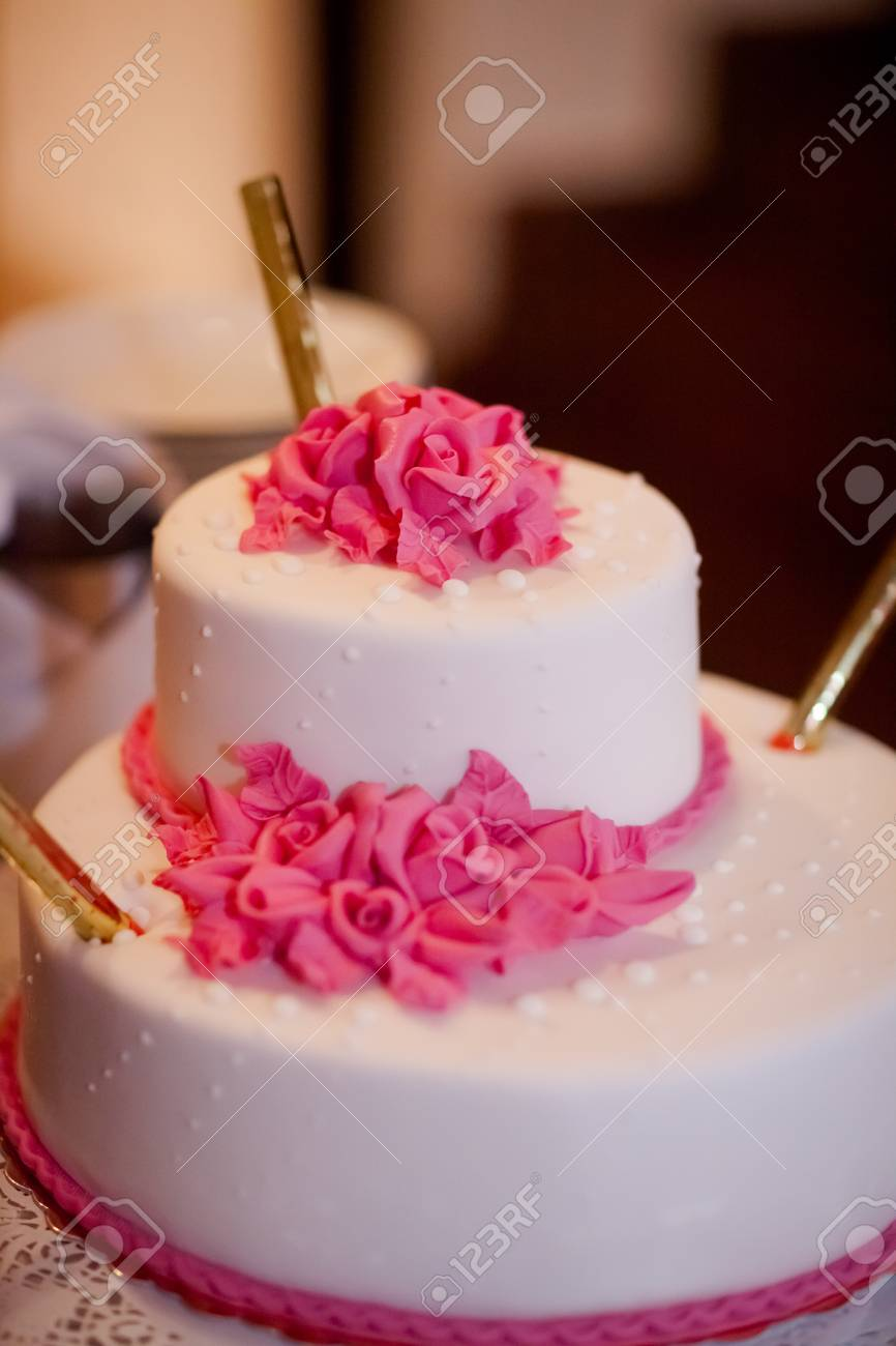 Beautiful Wedding Cake Detail - Traditional Sweets To Bride And ...