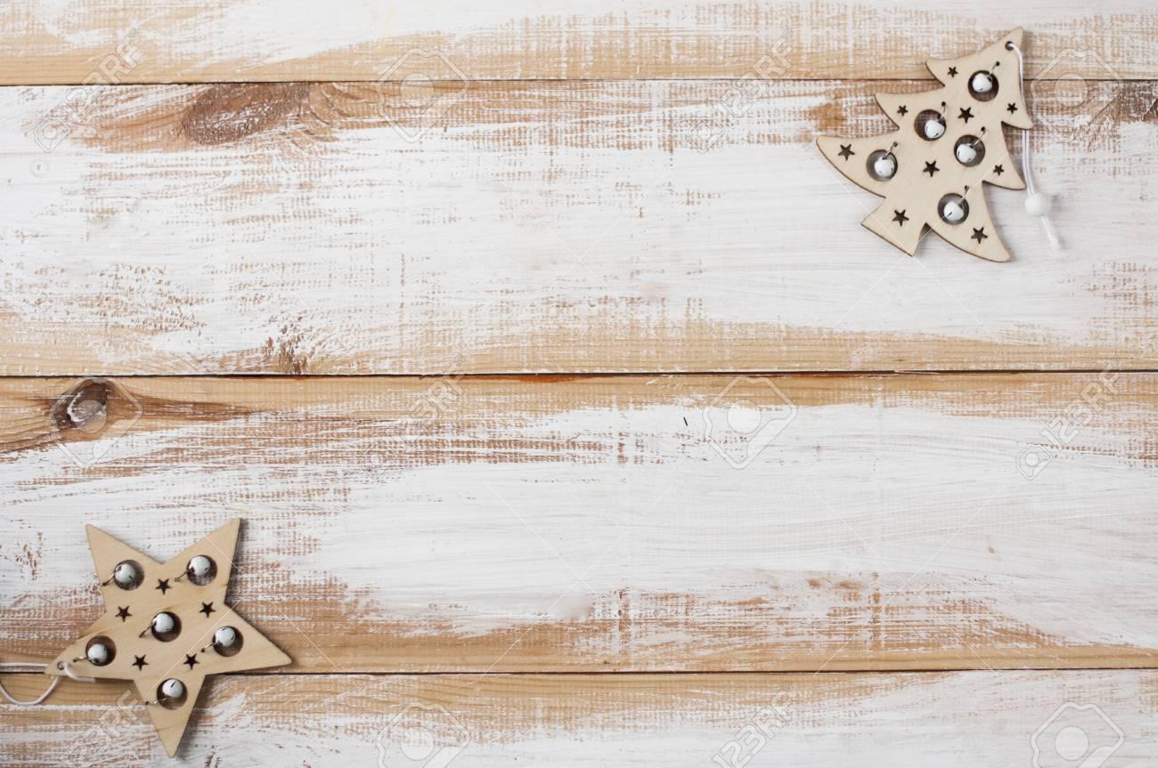 Holzspielzeug Fur Den Christbaumschmuck Hangen Auf Holzbrettern