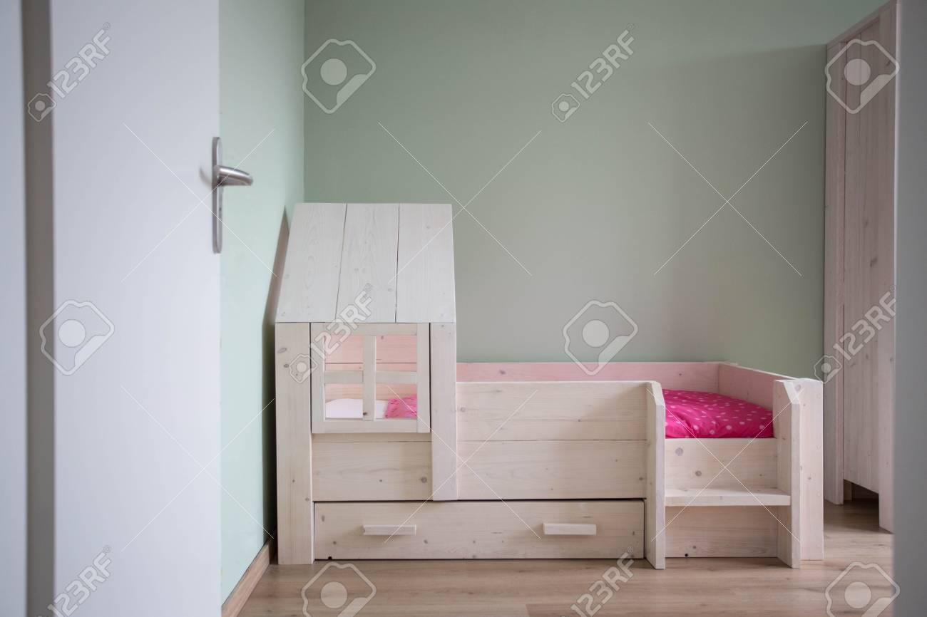 Children\'s bedroom modern design with wooden simple bed