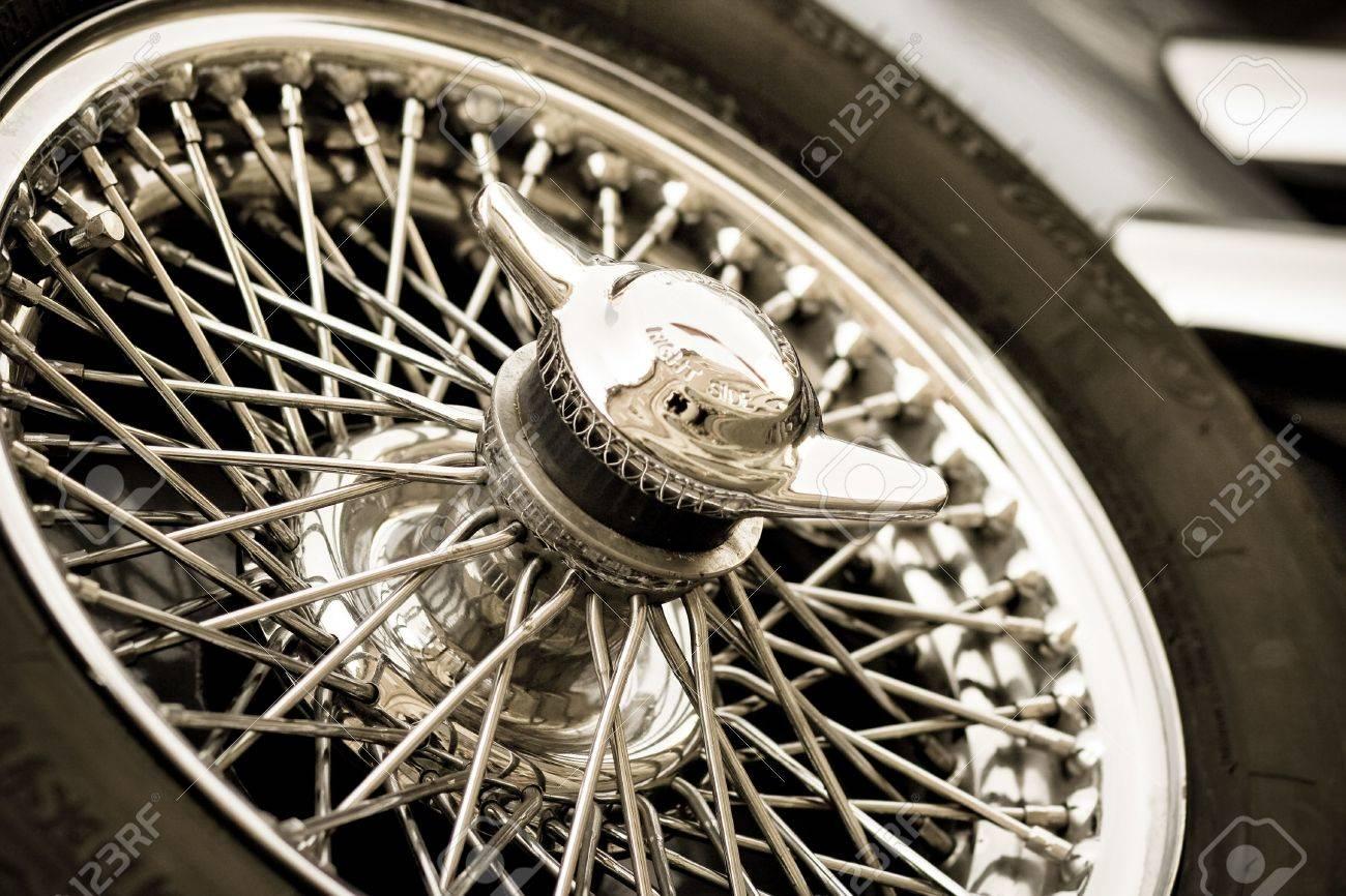 oldtimer backup wheel Stock Photo - 3118886