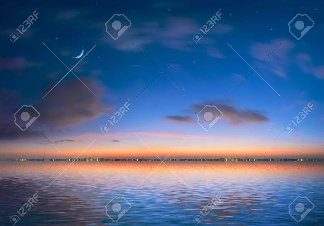 Immagini Stock Notte Città Su Uno Sfondo Di Cielo E Mare Image 771717
