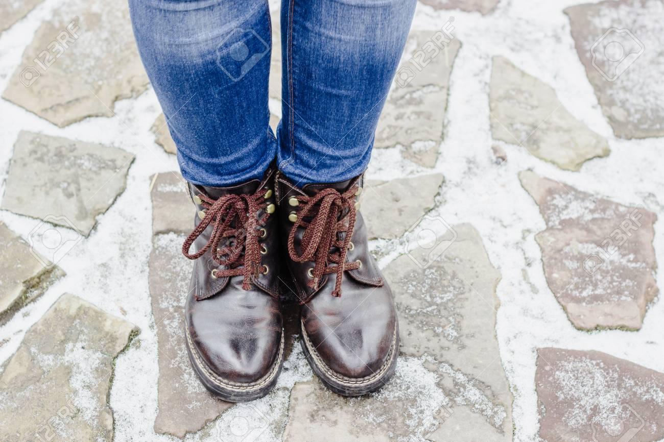Alto Las De Piernas Ángulo Llevando Vista Zapatos Mujer La EpwqPFft