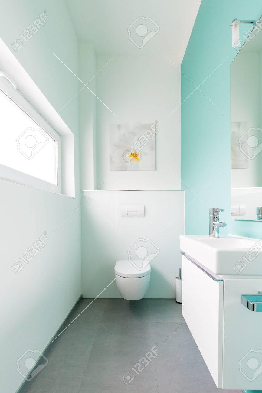 Moderne Gäste Wc moderne gäste wc in einem einfamilienhaus lizenzfreie fotos bilder