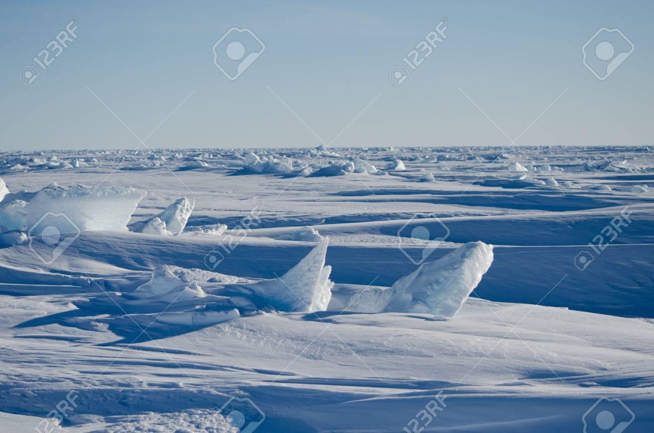 南極海氷の風景 ロイヤリティー...