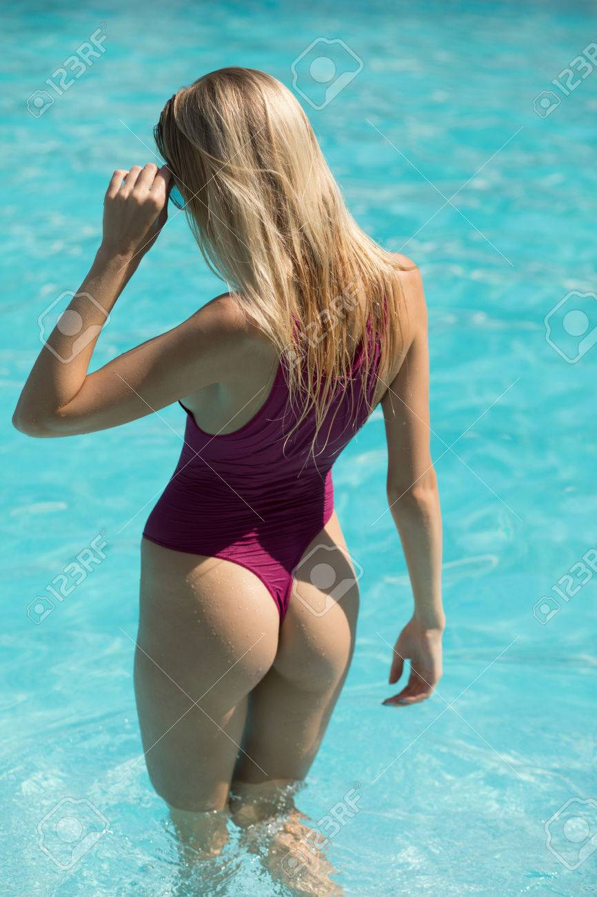 Swimming in the booty