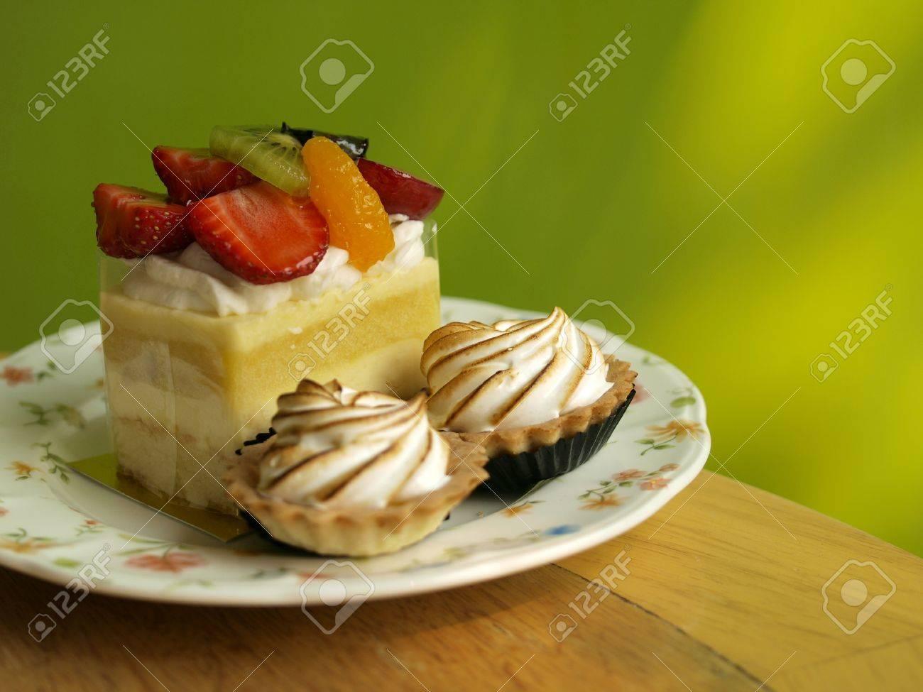 Fruchtebrot Kuchen Franzosisch Style Kuchen Mit Bunten Hintergrund