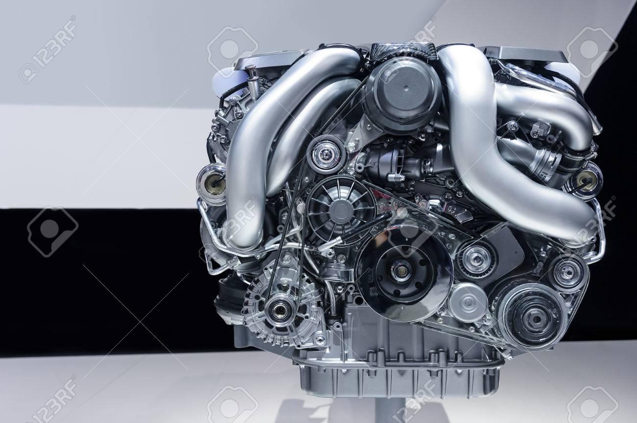 Auto-Motor, Das Konzept Der Modernen Leistungsfähigen Automobilmotor ...