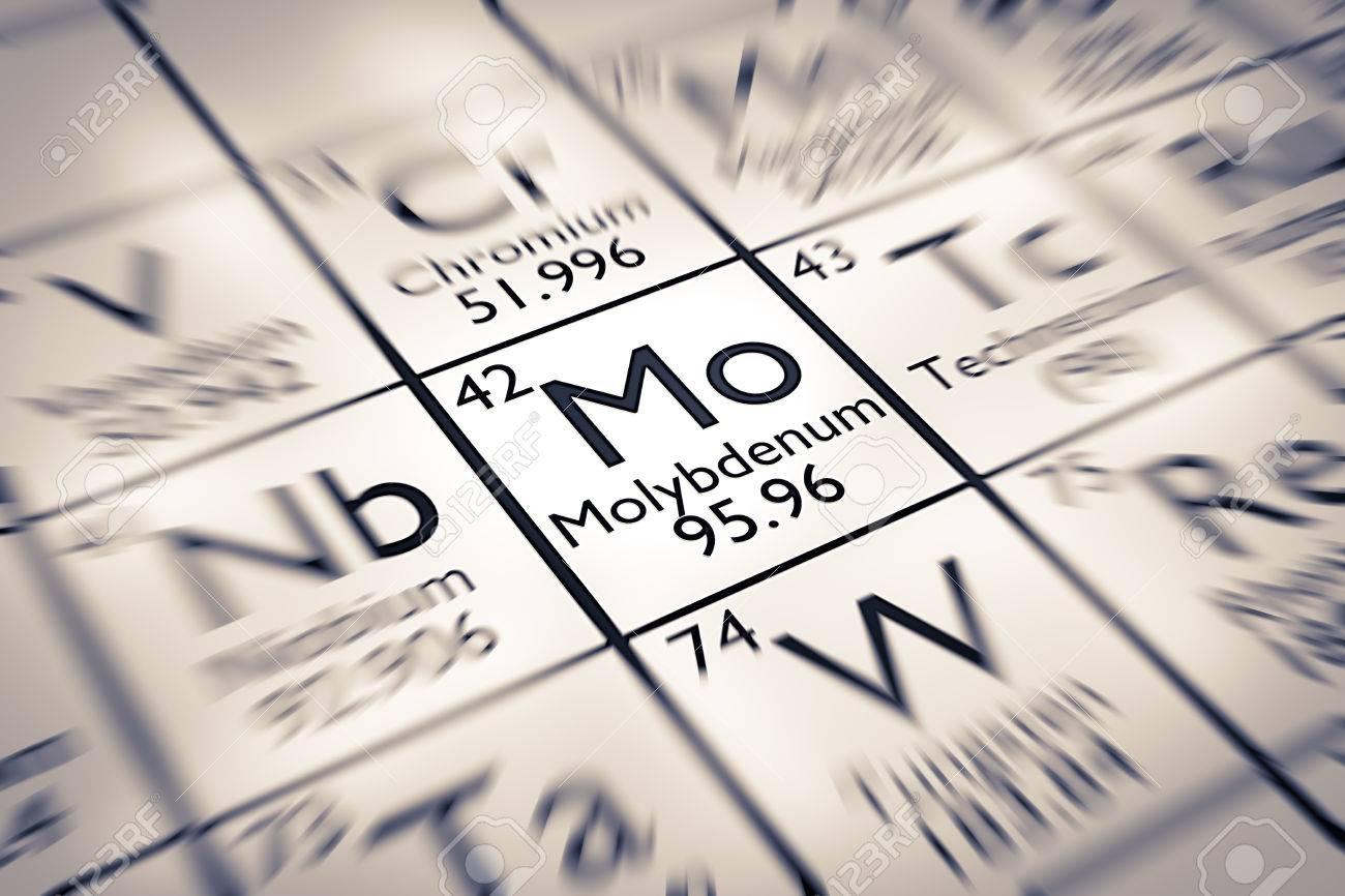Centrarse en molibdeno elemento qumico de la tabla peridica de centrarse en molibdeno elemento qumico de la tabla peridica de mendeleiev foto de archivo 61258958 urtaz Choice Image
