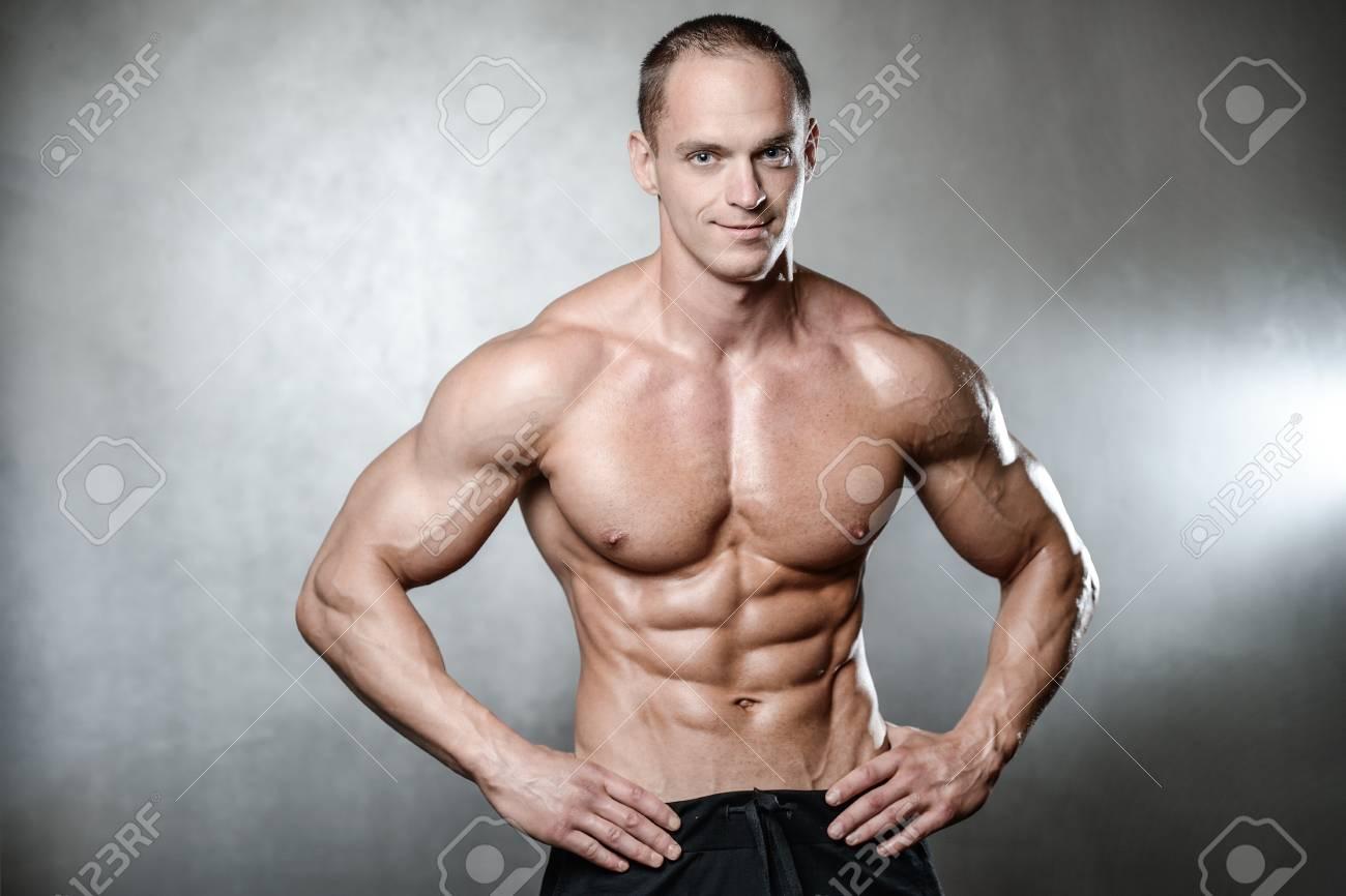 Nackte Fitness-Modell-Bilder