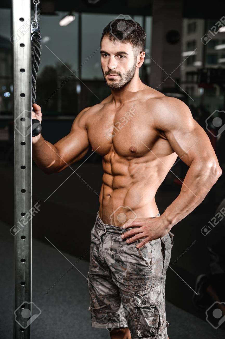 Modèles de fitness photos nues