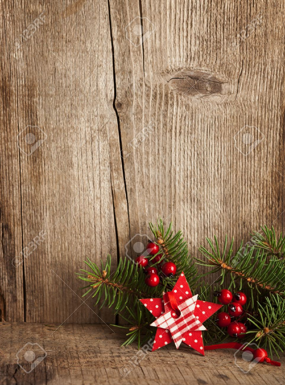 Kerst decoratie op houten plank royalty vrije foto, plaatjes ...