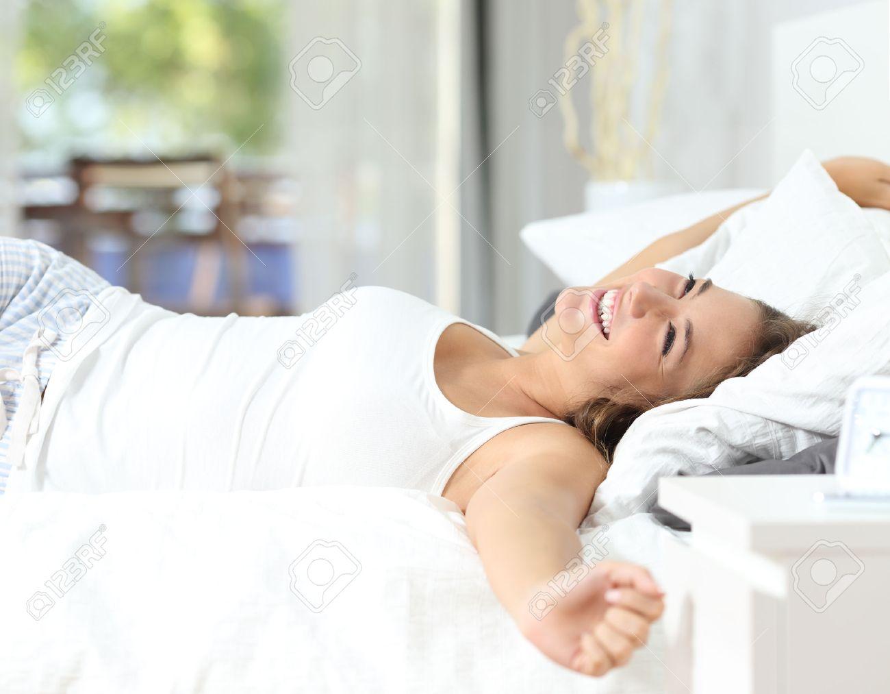 「朝ベッド写真フリー」の画像検索結果