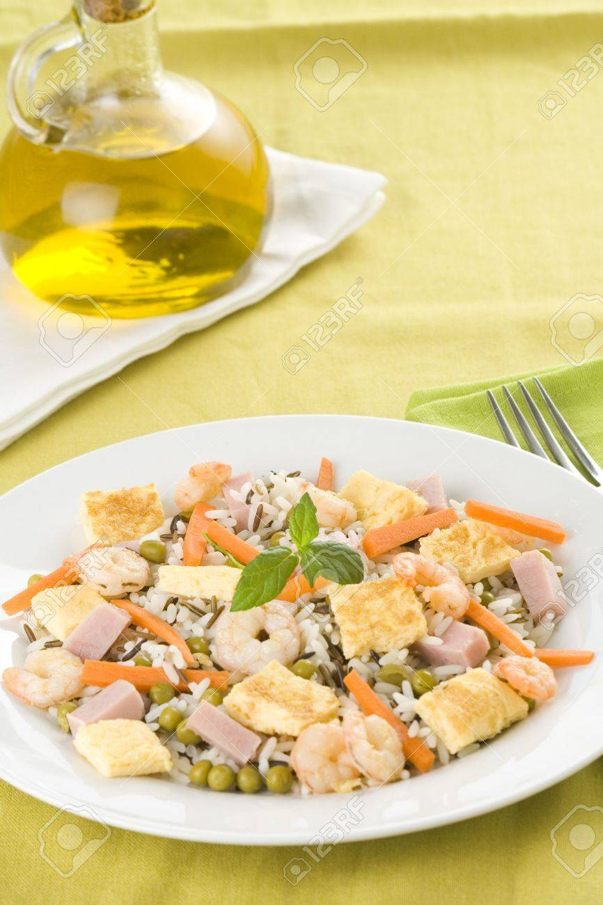 Plate of shrimp fried rice peas ham omelette isolated Stock Photo - 5572604