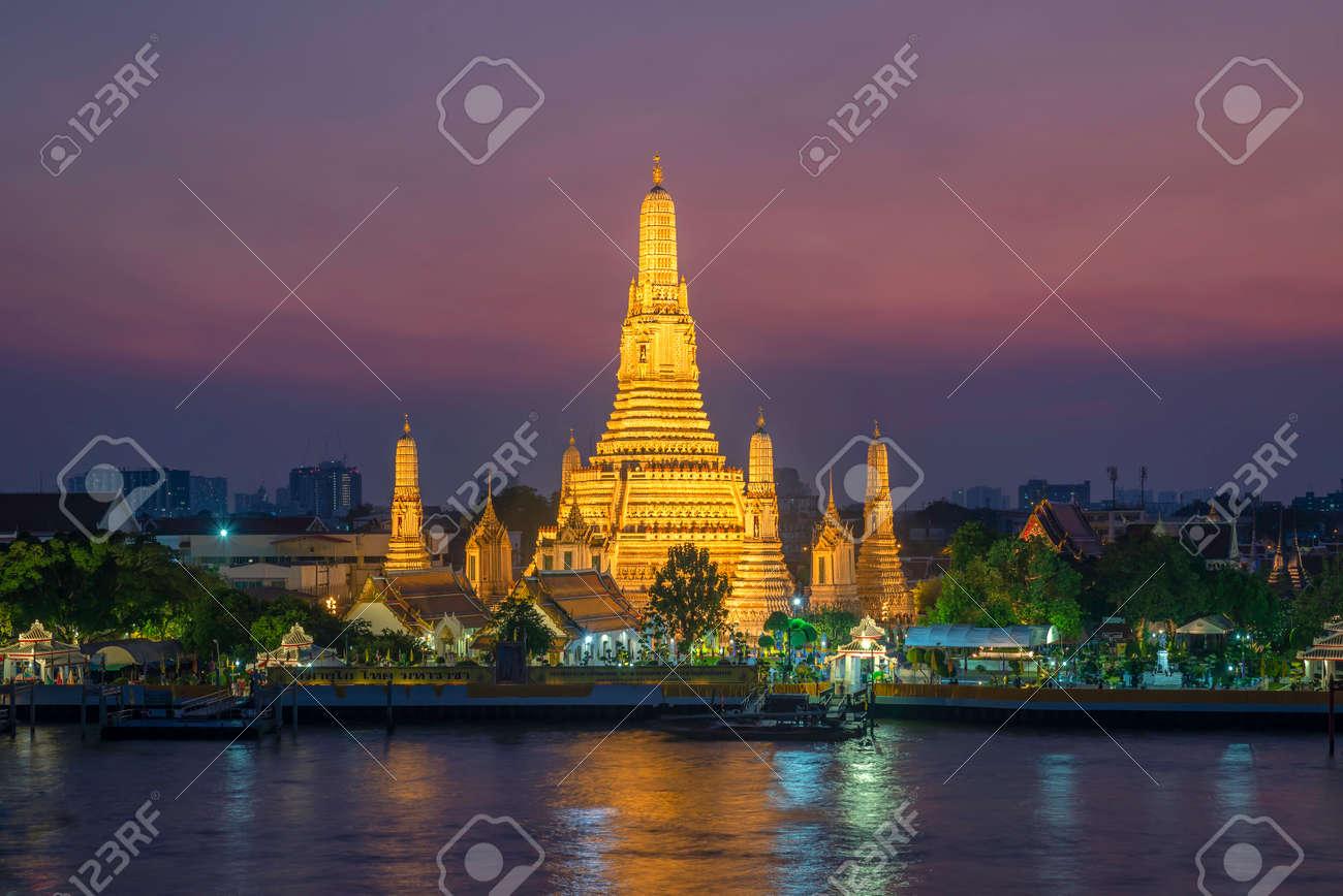 wat arun landmark thailand - 136271298