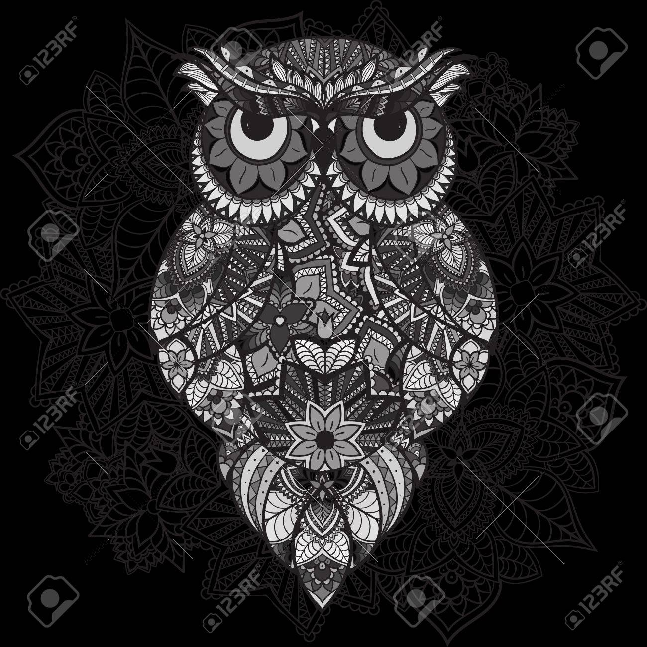 Buho Tatuaje Mandala búho del vector modelado en el fondo ornamental mandala. África, tótem,  diseño indio, tatuaje. búho del vector en la tribu. garabatos aislado búho