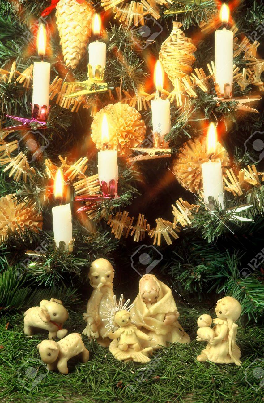 Christmas still-life with picture of the Nativity - 3623857