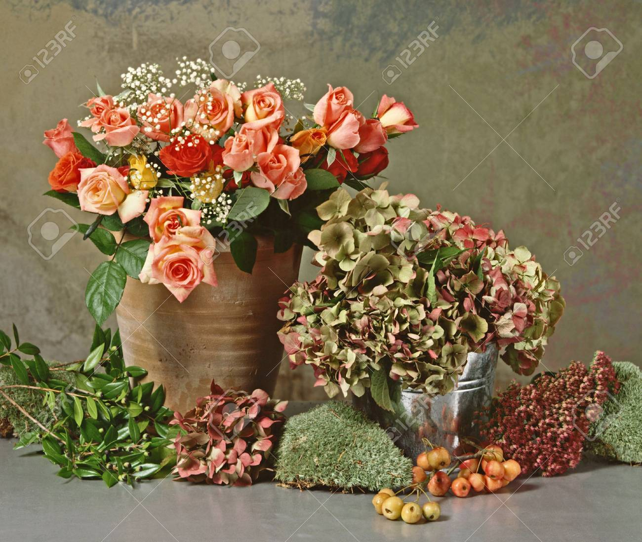 still life with a bunch of roses and dry hortensias - 3662139