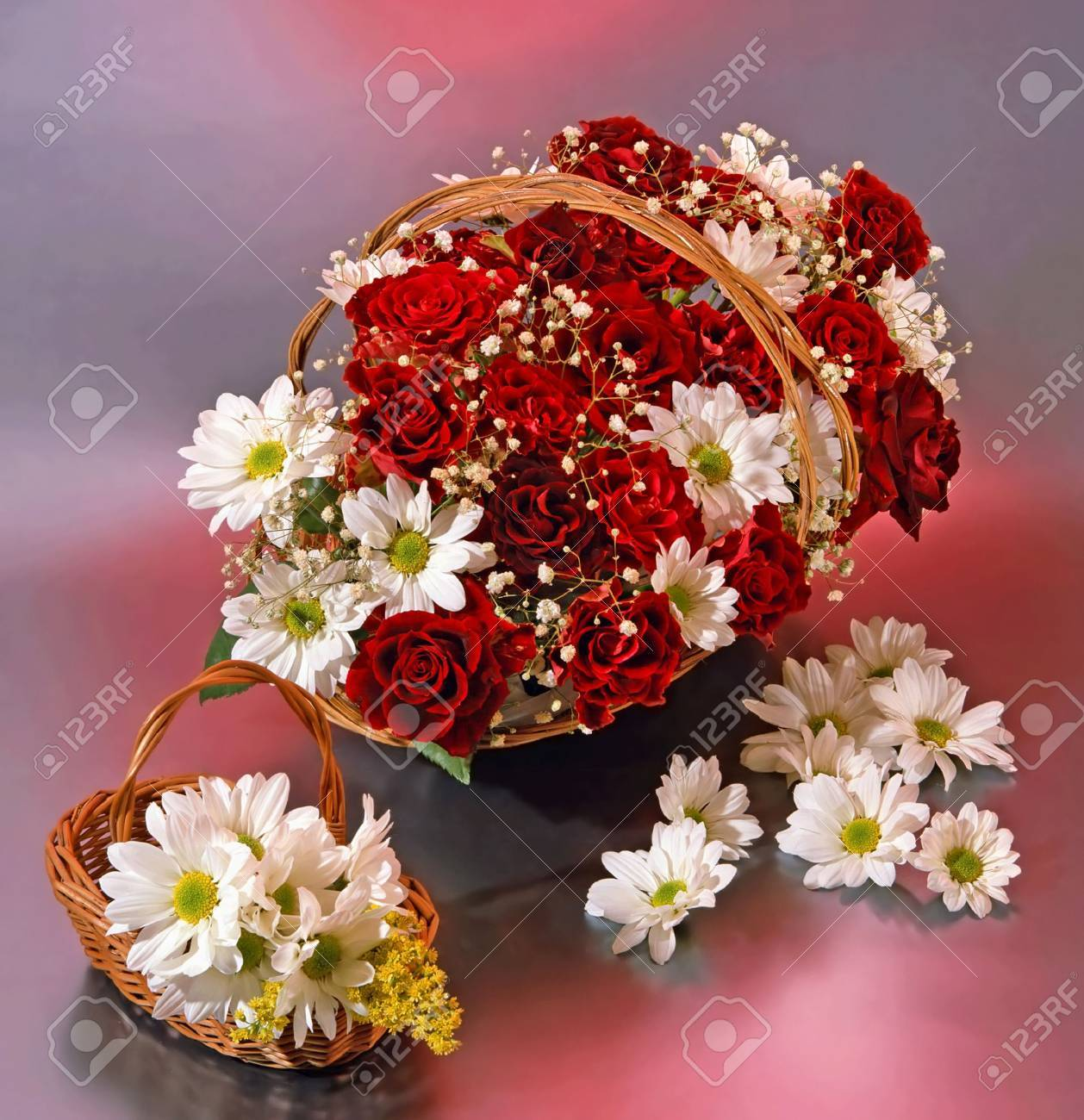 two baskets with red roses an magueritas - 3662136