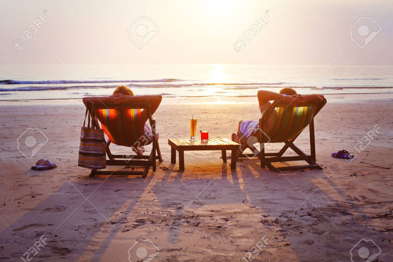 relax on the beach - 53069262