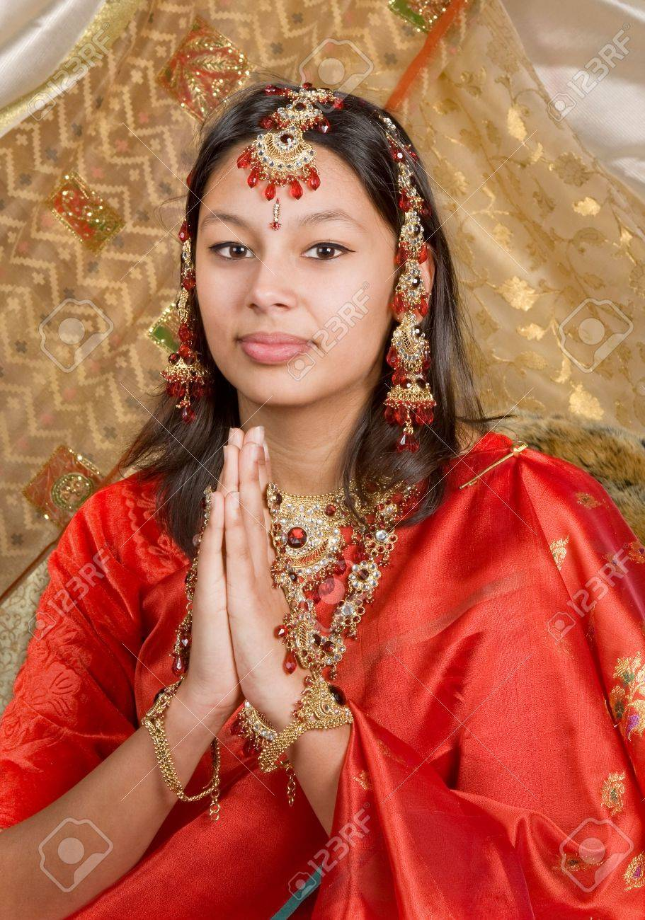 Young Indian woman wearing saree and bridal jewelry Stock Photo - 3921996