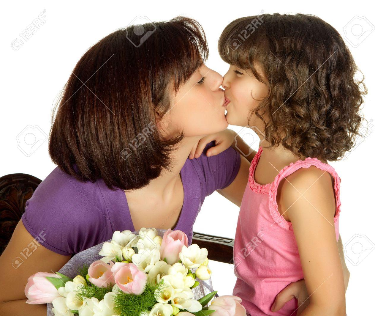 оральные мама и доч лезбианки отодрать соседку подъезду?