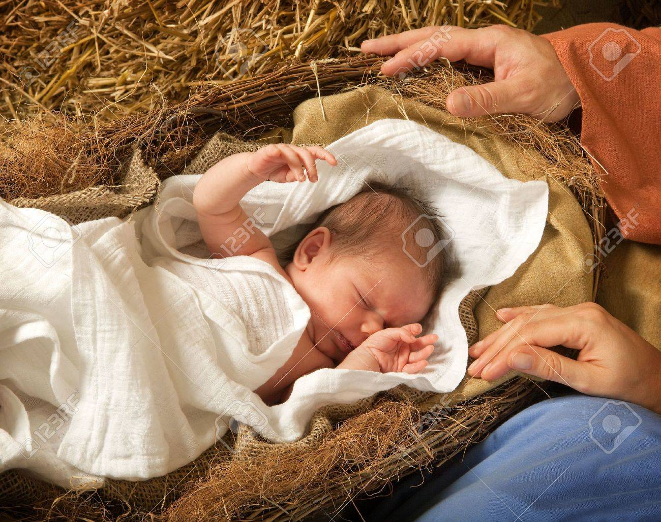 20 days old baby sleeping in a christmas nativity crib Stock Photo - 5674506
