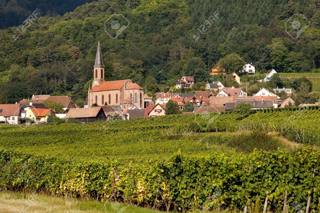 Husseren-les-Chateaux village along the famous wine route in Alsace, France Stock Photo - 13976258