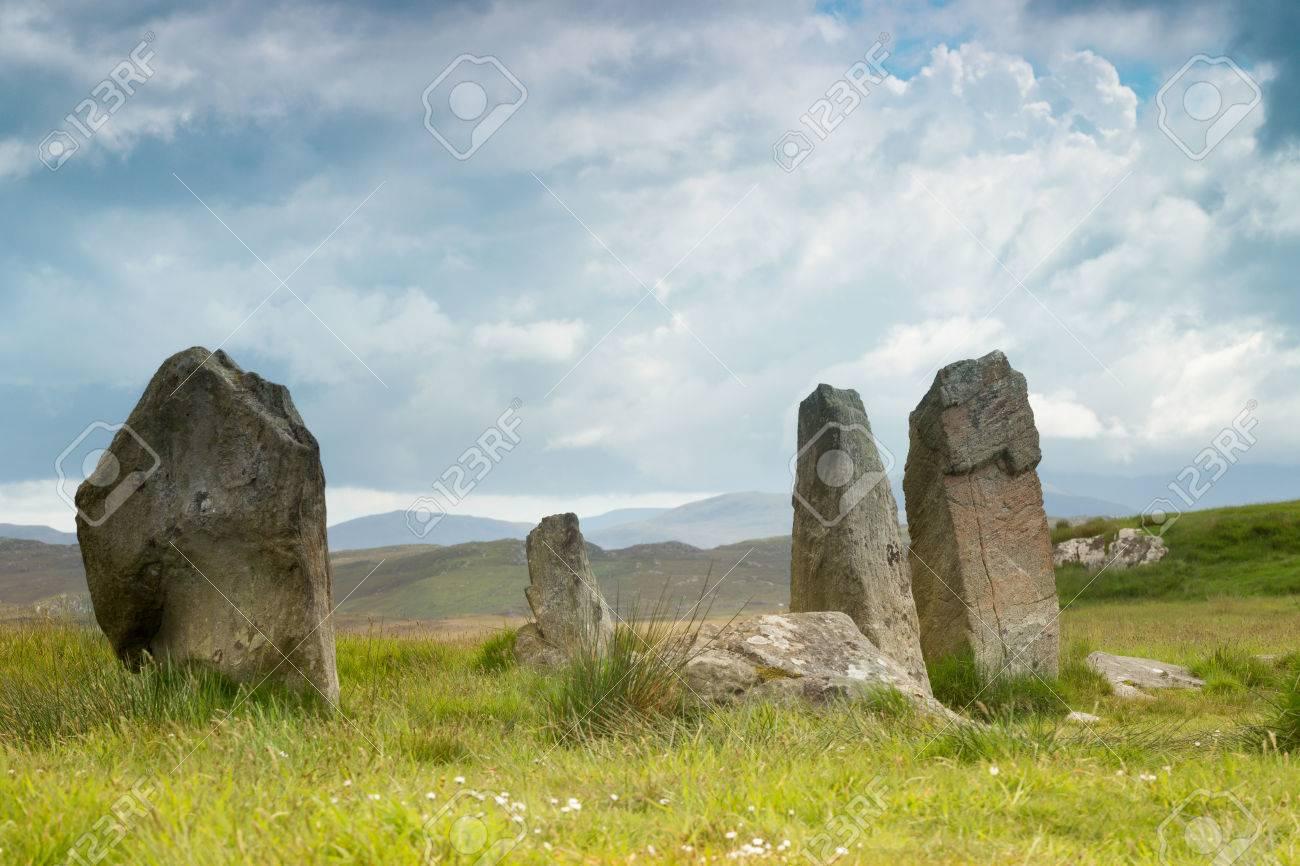 紀元前 3000 年にルイス島やハリ...