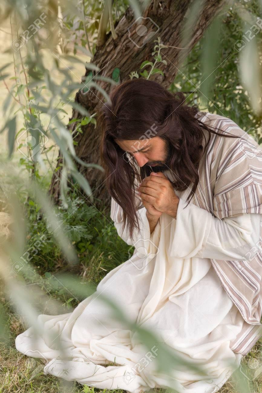 Jesús En Agonía Orando En El Huerto De Los Olivos Antes De Su ...