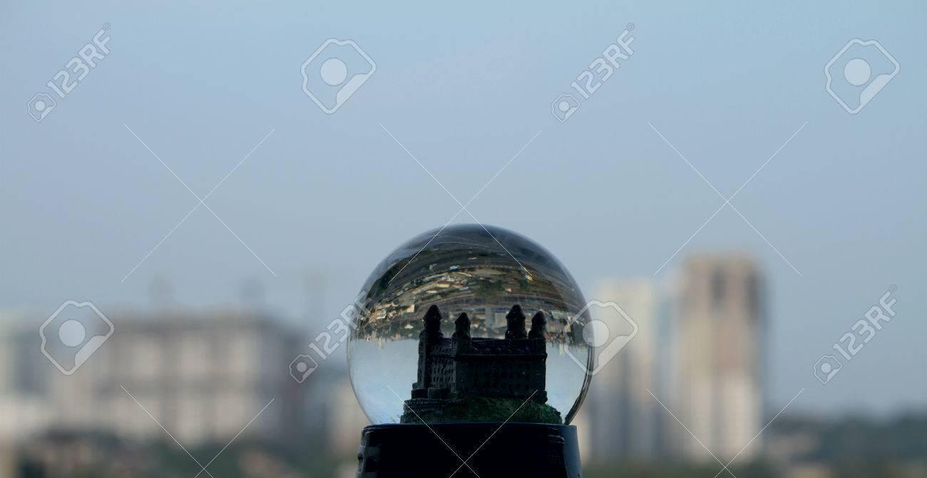 Ciudad Del Juguete En Globo De La Nieve Contra El Telón De Fondo De ...