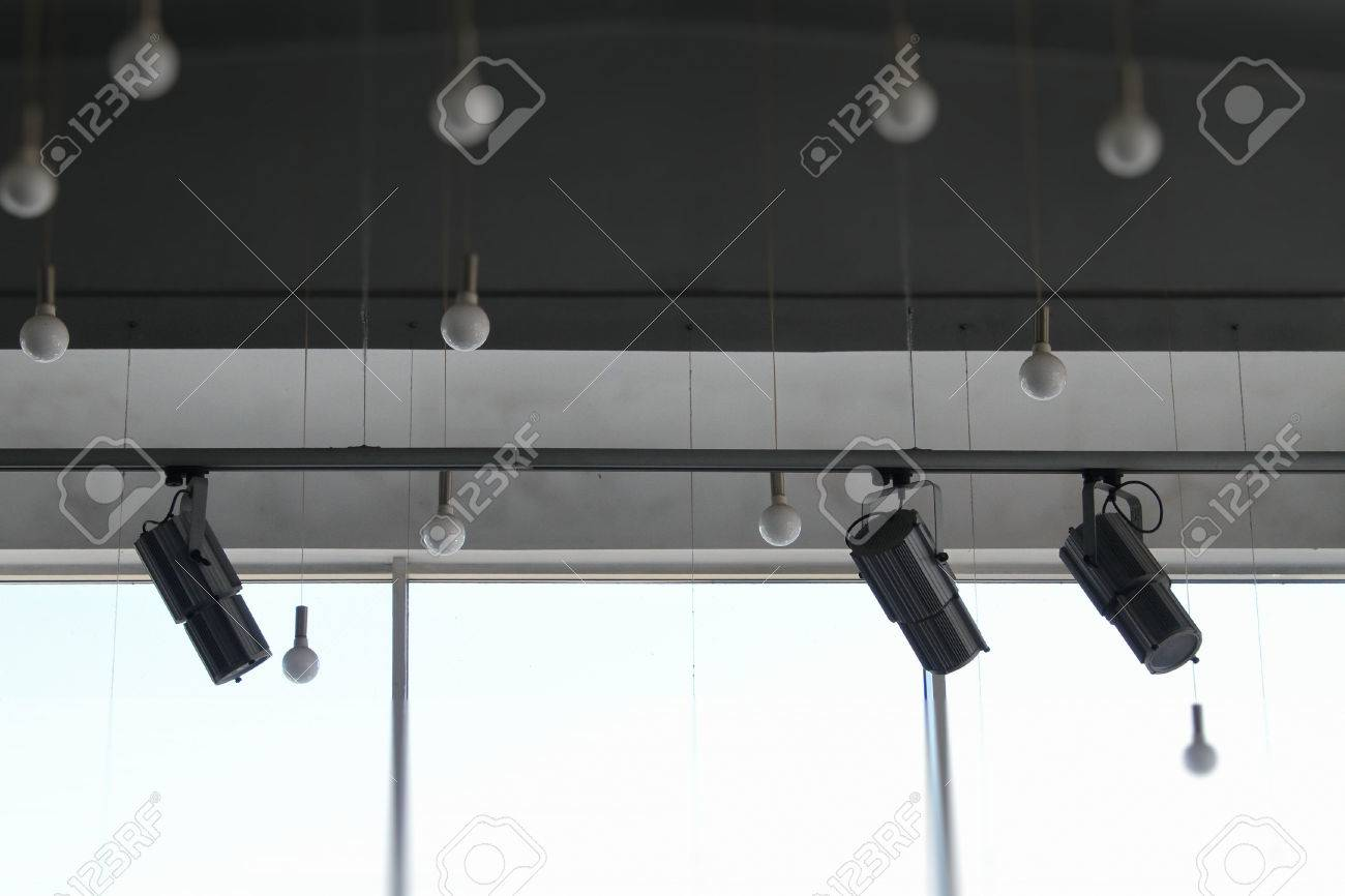 sale retailer 4bb8a 3fab5 Lighting technology in studio with moving track spotlights and..