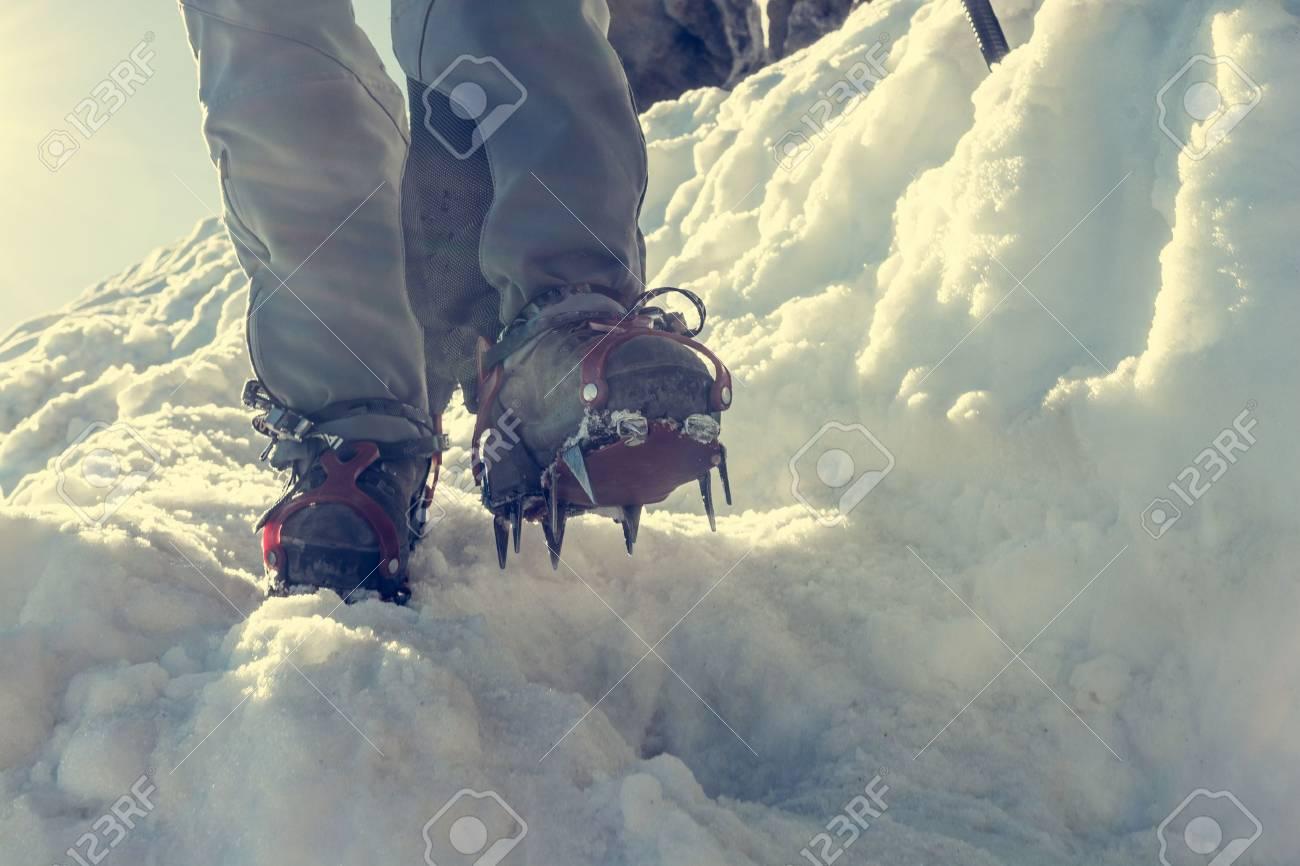 Image result for piolet crampons alpinisme