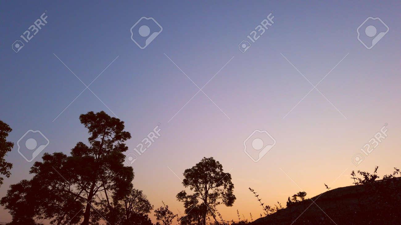 Sky glow - 152848749
