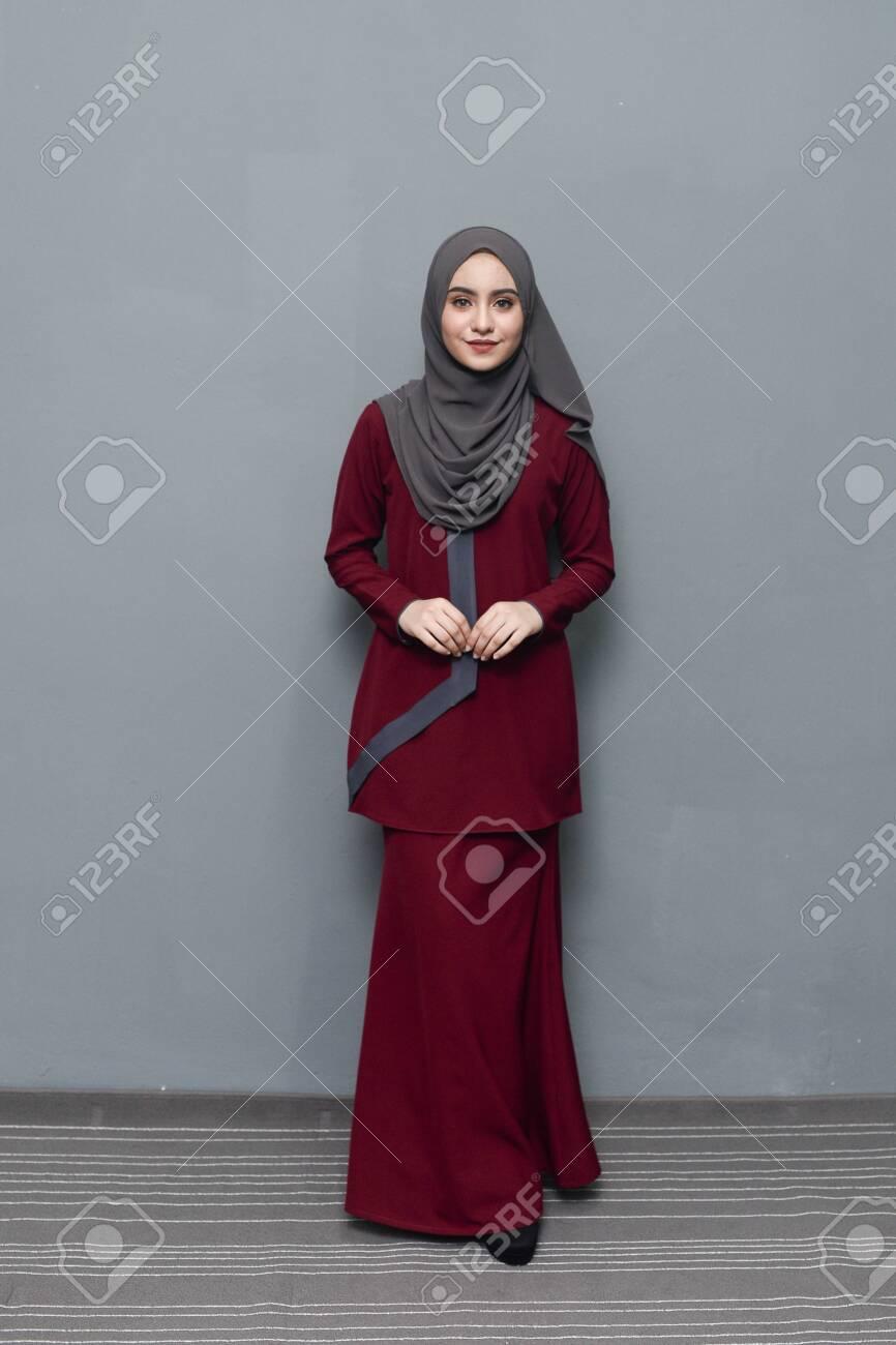Girls hijab of pics wearing 32 Hidden